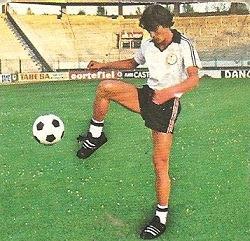 Liga 82-83. Fichaje Nº 24: Abajo (U.D. Salamanca). Ediciones Este.