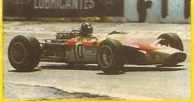 Grand Prix Ford 1982 . Graham Hill (Lotus). (Editorial Danone).