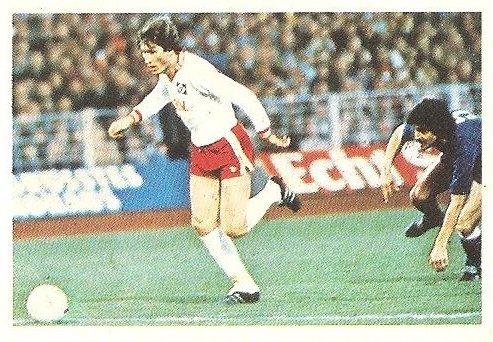 Liga 80-81. Kaltz (Hamburgo) Futbolistas en Acción Nº 39. Ediciones Este.