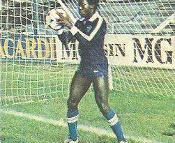 Liga 82-83. Arzú (Coloca por Moncaleán) (Racing de Santander). Ediciones Este.