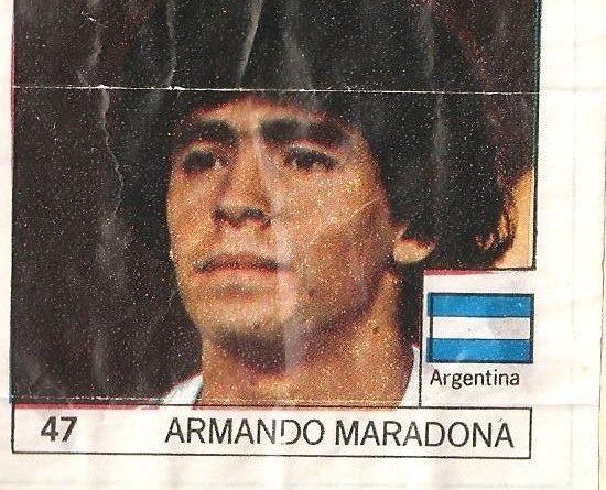 Super Cromos Los Mejores del Mundo (1981). Maradona (Argentina). Chicle Fútbol Boomer.