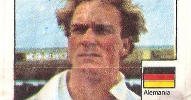 Super Cromos Los Mejores del Mundo (1981). Rummenigge (Alemania Federal). Chicle Fútbol Boomer.