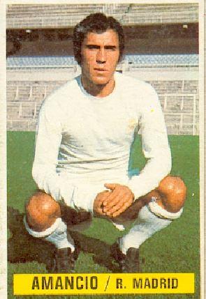Campeonato de Liga 1974-75. Amancio (Real Madrid). Ediciones Este y Chicles Sanber. 📸 Grupo de Facebook Nuestros álbumes de cromos