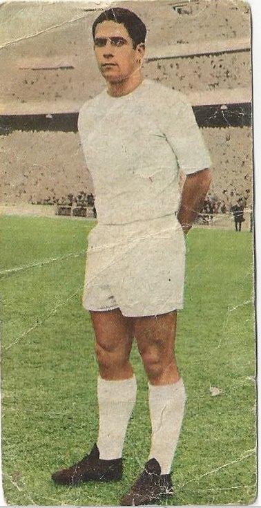 Campeonatos Nacionales Fútbol 1970. Liga 1969-70. De Diego (Real Madrid C.F.). Edtorial Ruiz Romero. 📸: Felipe Castañeda.
