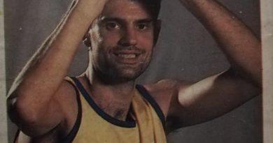 ACB 95/96. José Artiles (C.B. Gran Canaria). Editorial Mundicromo. 📸: José Carmelo Artiles.