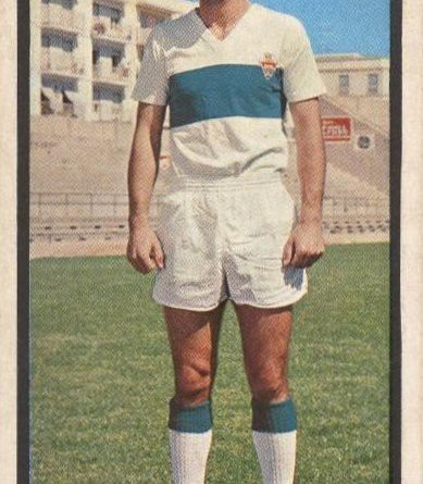 Liga 1973-74. Chiva (Elche C.F.). Editorial Ruíz Romero. 📸: Grupo de Facebook Nuestros álbumes de cromos.