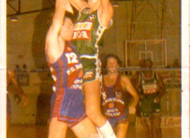 Basket Cromos 88-89. Piñero (Grupo IFA) Editorial J. Merchante – Bollycao. 📸: Grupo de Facebook Nuestros álbumes de cromos.