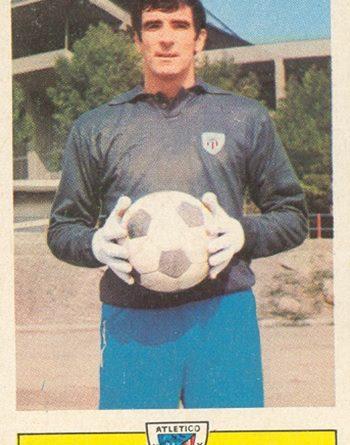 Liga 73-74. Iribar (Athletic Club de Bilbao). Ediciones Este. 📸: Toni Izaro.