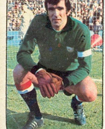 Liga 76-77. Iribar (Athletic Club de Bilbao). Ediciones Este. 📸: Toni Izaro.