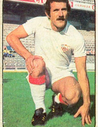 Liga 76-77. Plaza (Sevilla F.C.). Ediciones Este. 📸: Toni Izaro.