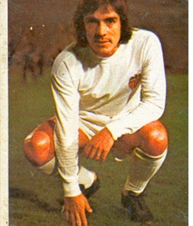 Liga 74-75. Valdez (Valencia C.F.). Ediciones Este. 📸: Toni Izaro.