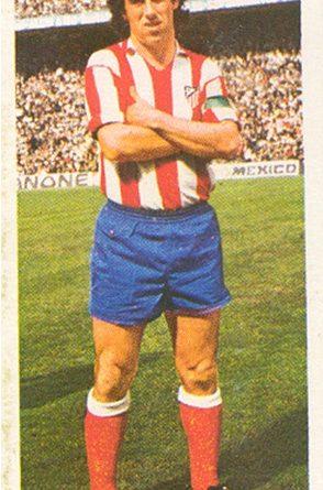 Liga 75-76. Adelardo (Atlético de Madrid). Ediciones Este. 📸: Toni Izaro.