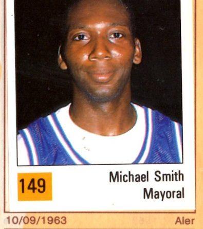 Basket 90 ACB. Mike Smith (Mayoral Maristas). Ediciones Panini. 📸: Grupo de Facebook Nuestros álbumes de cromos.