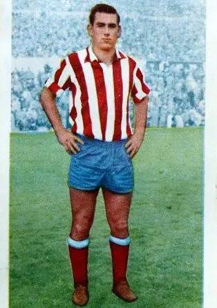 Liga 60-61. Adelardo (Atlético de Madrid). Editorial Ferca. 📸: José Mateos.