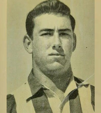 Liga 60-61. Adelardo (Atlético de Madrid). Editorial Ferca. 📸: Juan Álvarez.