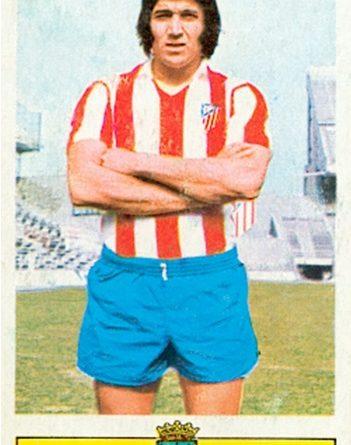 Liga 73-74. Ovejero (Atlético de Madrid). Ediciones Este. 📸: Toni Izaro.