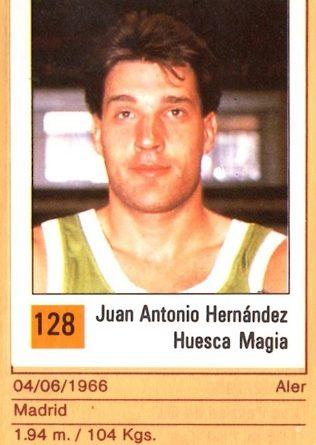 Basket 90 ACB. Juan Antonio Hernández (Huesca Magia). Ediciones Panini. 📸: Grupo de Facebook Nuestros álbumes de cromos.