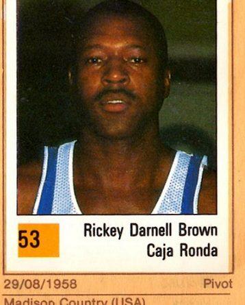 Basket 90 ACB. Ricky Brown (Caja Ronda). Ediciones Panini. 📸: Grupo de Facebook Nuestros álbumes de cromos.